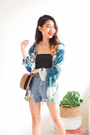 Gold Coast Holiday Tropical Button Down Top