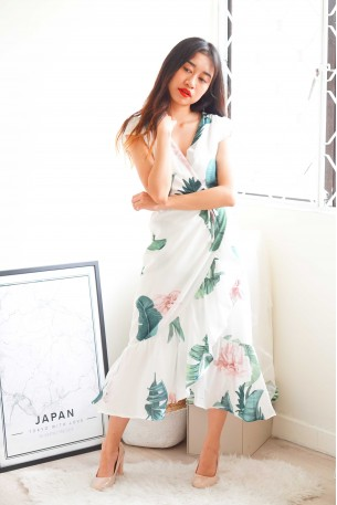 (BACKORDER) Well Wishes White Floral Dress
