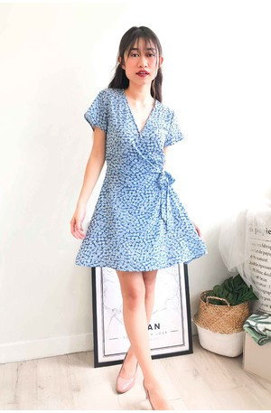 465b3b5d0b424 (BACKORDER) Whimsical Dream Blue Floral Wrap Dress