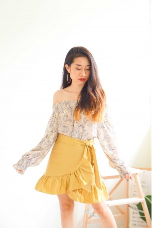 Breakfast At 9 Basic Ruffle Skirt in Yellow