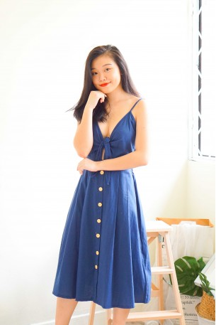 (BACKORDER) Main Girl Tie Knot Midi Dress in Blue