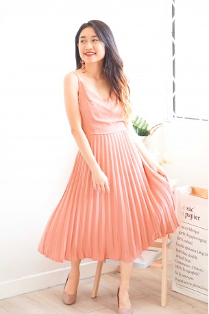 Coral Sass Pleated Dress in Pink
