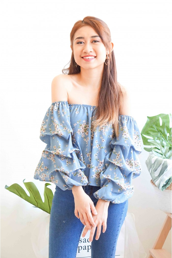 080bc003e9968 Wishbone Floral Off Shoulder Top in Blue