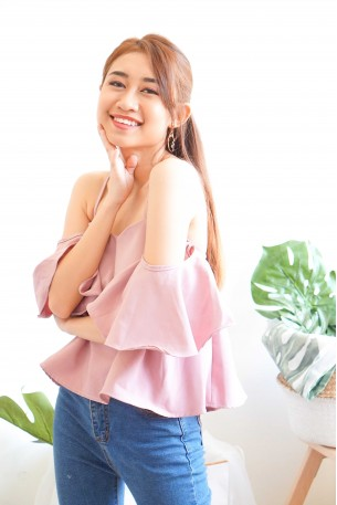 Brushing Hearts Top with Flare Sleeves in Pink