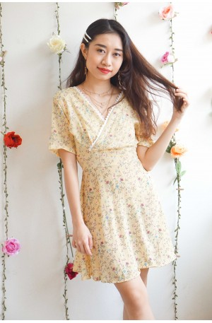 Unintentional Fling Floral V Neck Dress in Yellow