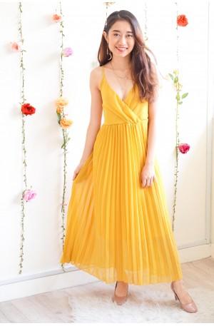 Gentle Dreamer Pleated Dress in Yellow