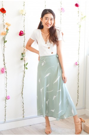 (BACKORDER) Library Dates Self Tied Midi Skirt in Mint Green
