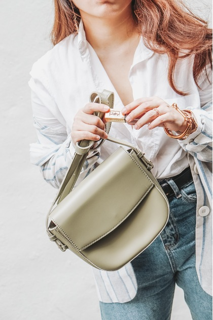 SMOL // FREYA Crossbody Bag in Olive
