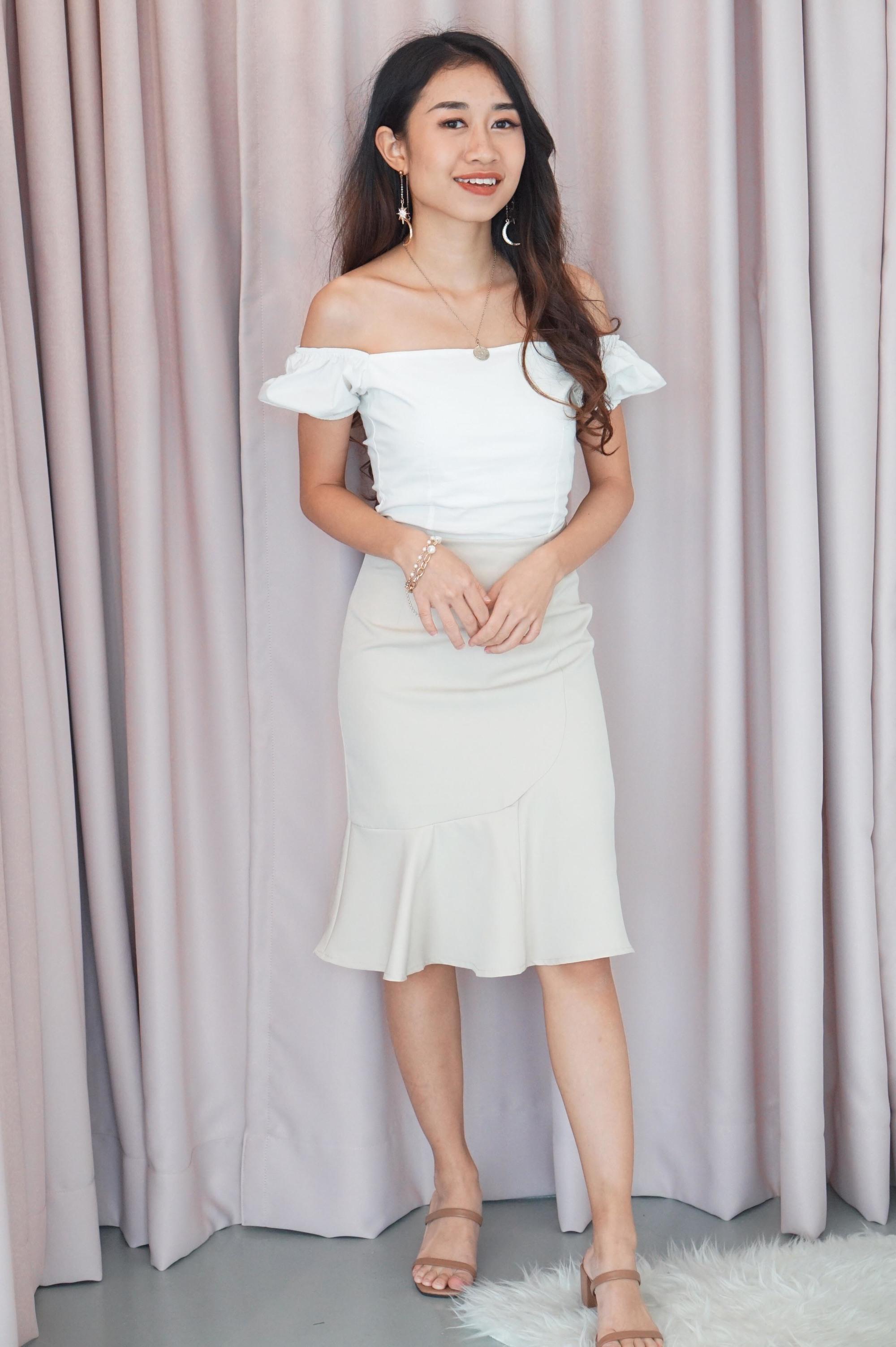 Checks and Balance Ruffles Skirt in Beige
