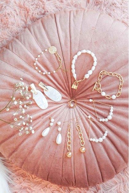 Tara Eggshell Earrings