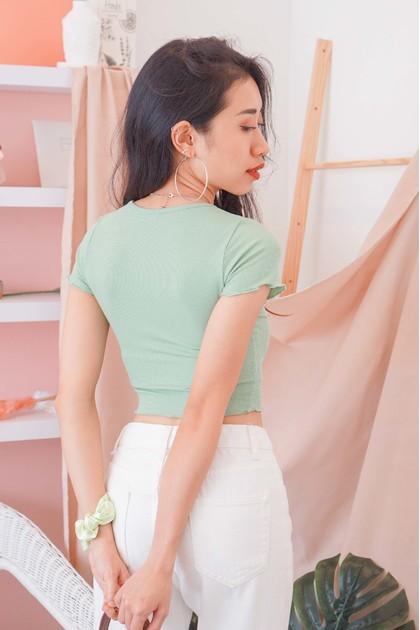 Summer Mind Button Crop Top in Green