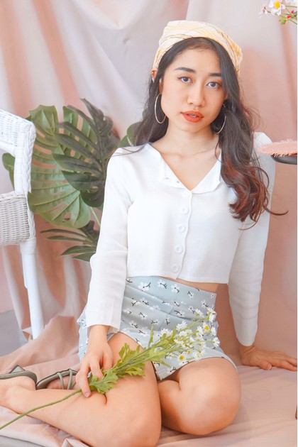 Cloudy Waves Knit Cardigan in White